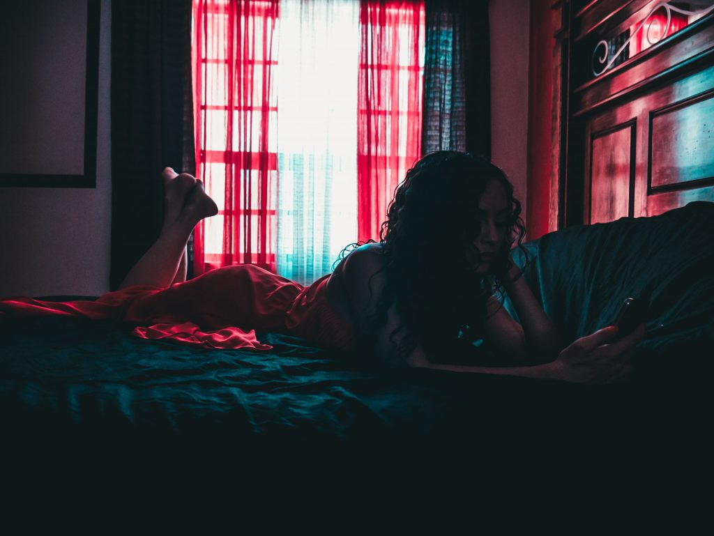 How to Master the Art of Sexting