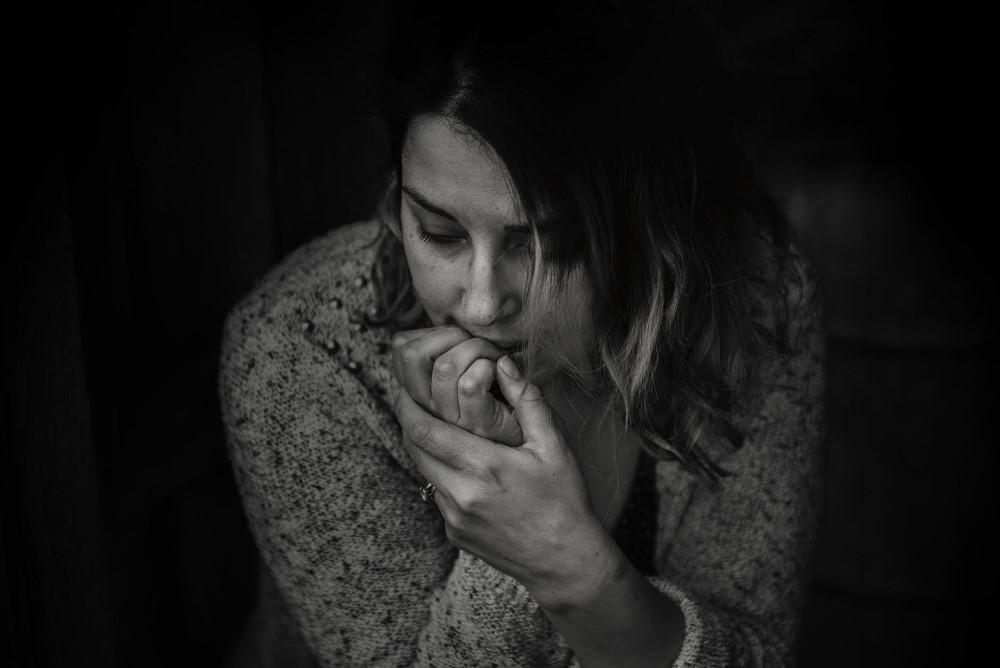 woman sad stop toxic flirting