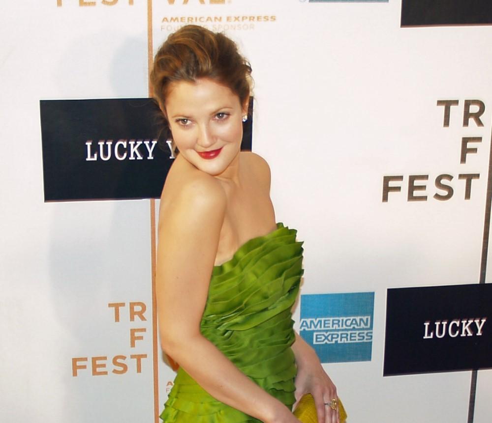 Drew Barrymore celebrities using online dating apps
