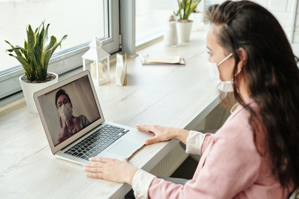 Video Call with Masks online dating during coronavirus